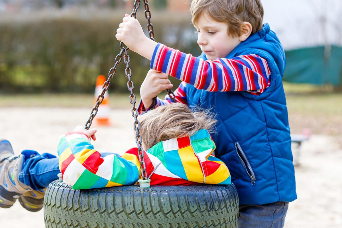 Børn gynger, forældresamtaler